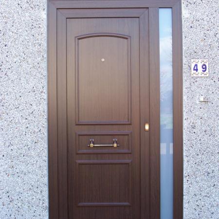 Porte PVC Vermeer plein, fixe sablé latéral, structuré mahonie F817